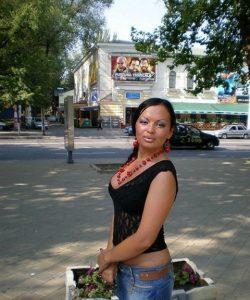 Миниатюрная девушка ищет мужчину в Казани для страстного интима