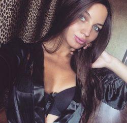 Красивая молодая блондинка познакомится для частых встреч в Казани