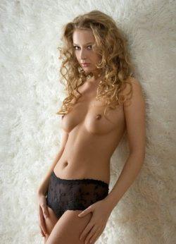Девушка ищет мужчину в Казани.Очаровательная обладательница соблазнительных форм